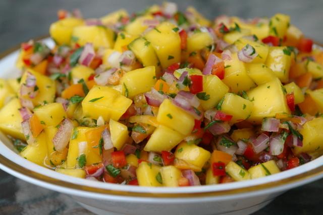 Tropical Mango Salsa – Refreshing!